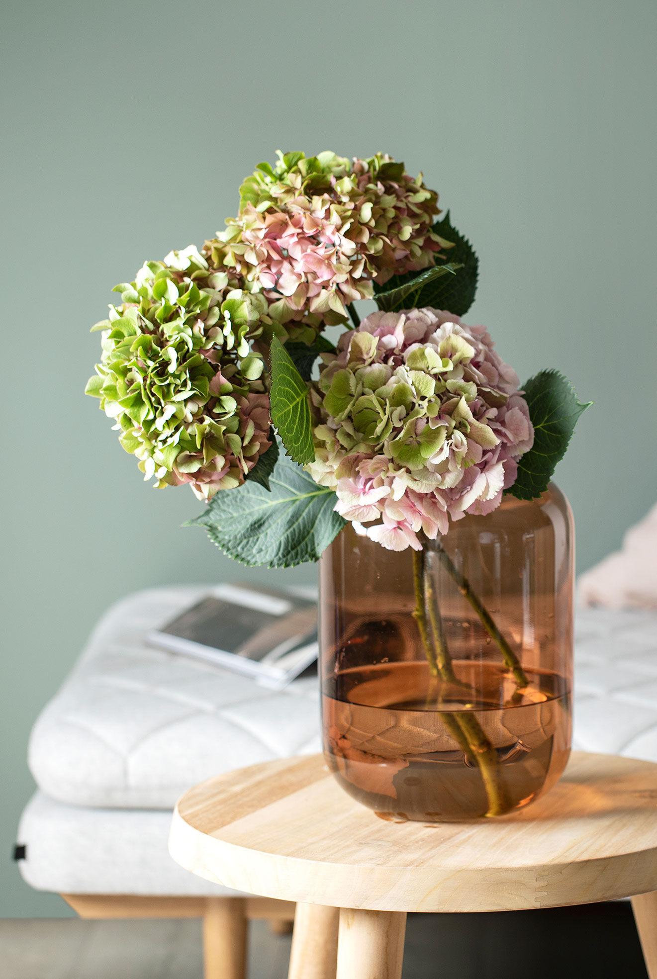 Leaf vase med hortensia