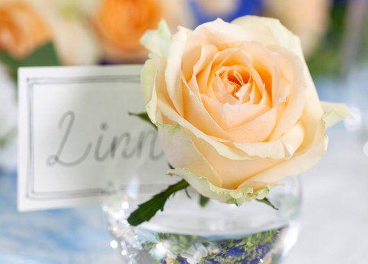 bordkort med rose i fersken