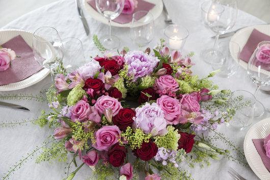 borddekorasjon_roser_rødt og rosa_festbord