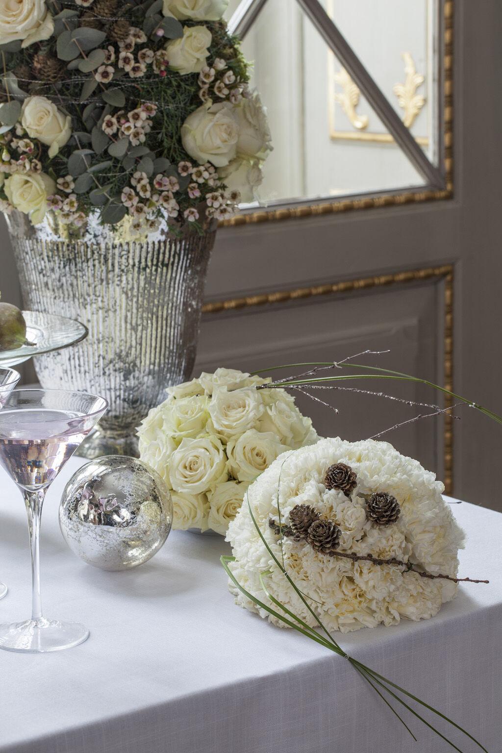 lekre hvite nellik- og rosekuler