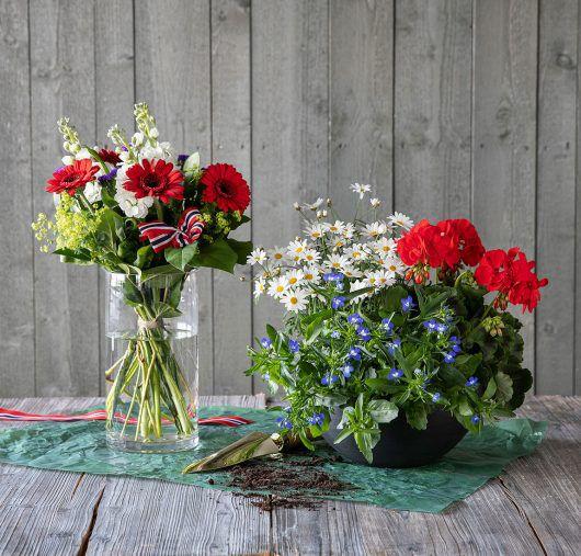 blomster til utekrukkene og til festbordet