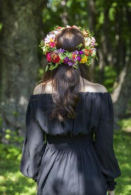 frisk og sommerlig blomsterkrans