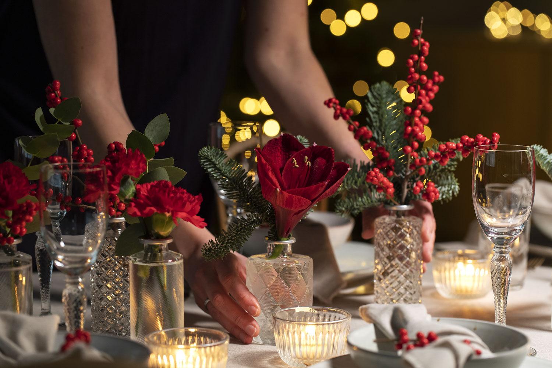Pynte bordet med amaryllis.