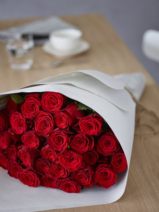 send blomster hjem til kjæresten til Valentine