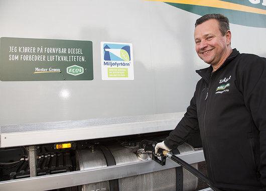 Fylling av biodisel på lastebil