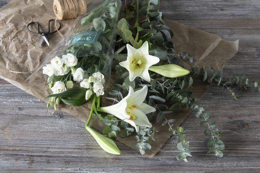 3for2_bukett_hvite liljer_eucalyptus
