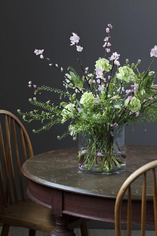 blomster og greiner i ulik høyde