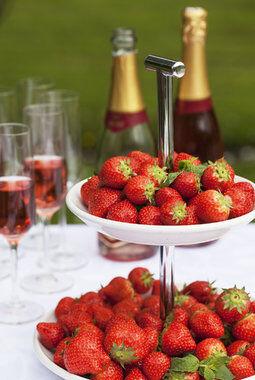Jordbær hører med til 17. mai-festen
