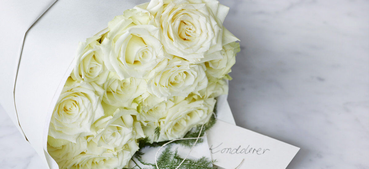 Hvite roser kondolanse