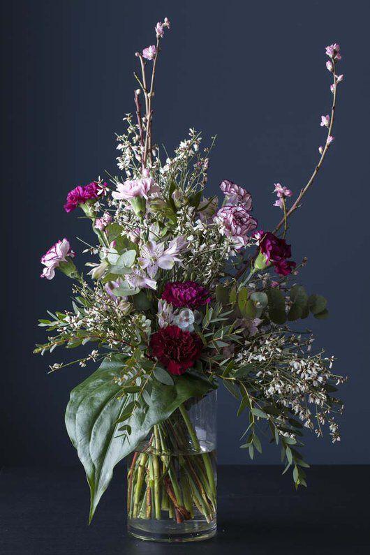 vakker bukett med avskårne blomster