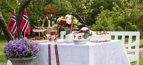 Pynt med blomster til 17. mai festen