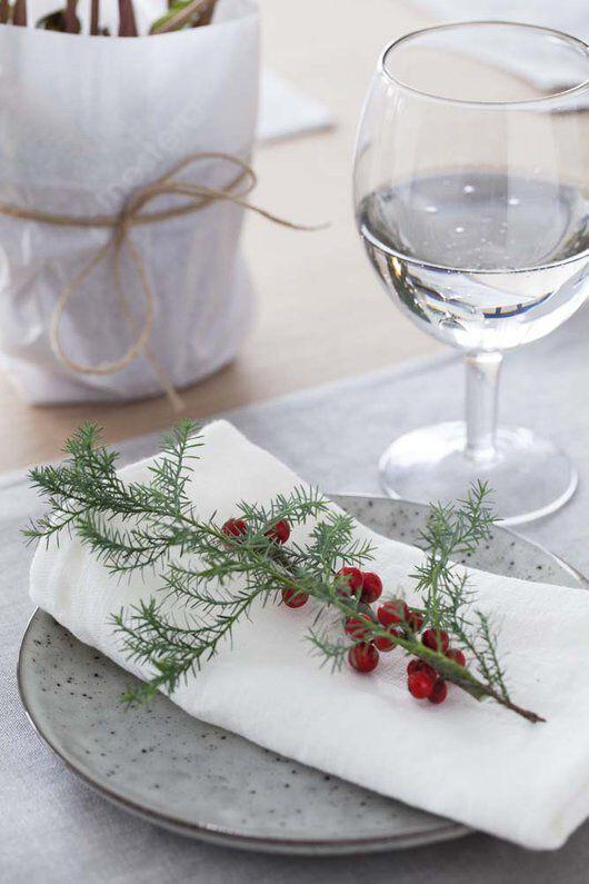 vintergrønt og ilexbær er enkelt og delikat