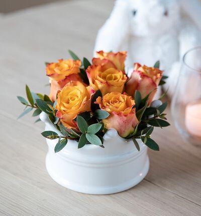Gratulerer rosedekorasjon i gyllen