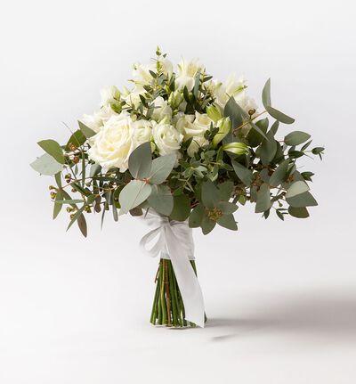 Liten brudebukett med hvite roser