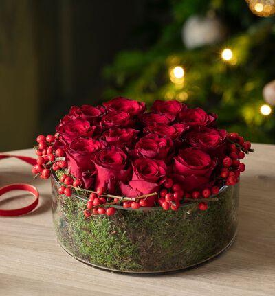 Rød rosedekorasjon jul