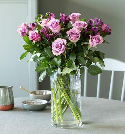 Lilla rosebukett med alstromeria S