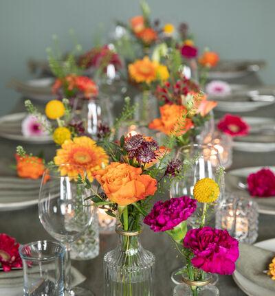 Stor fargerik festpakke med små vaser