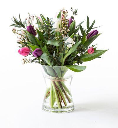 Tulipanbukett med voksblomst