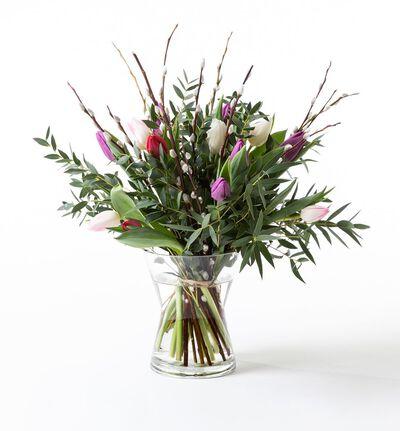 Tulipanbukett med gåsunger i kalde farger