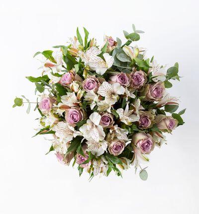 Lilla rosebukett med alstroemeria M