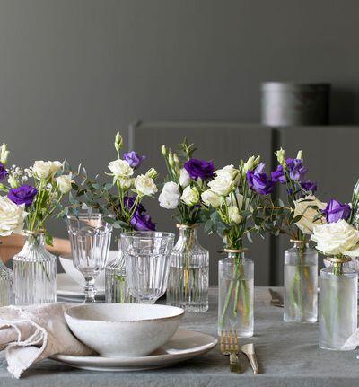 Hvit og blå festpakke med små vaser