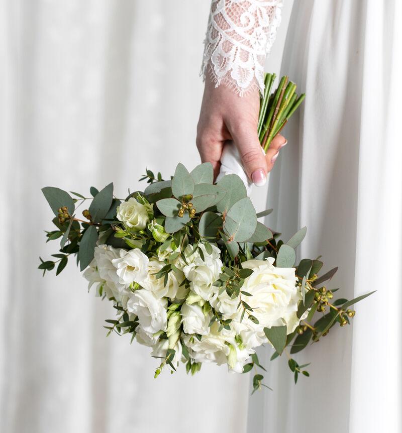 Liten Simplicity bryllupspakke i hvitt image number null