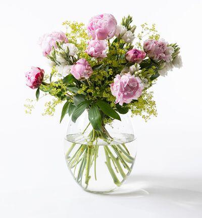 Rosa peonbukett med lisianthus
