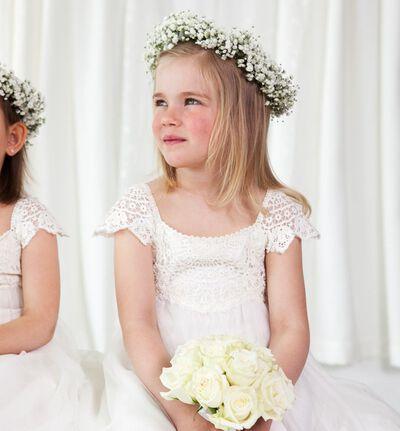 Brudepikebukett med hvite roser