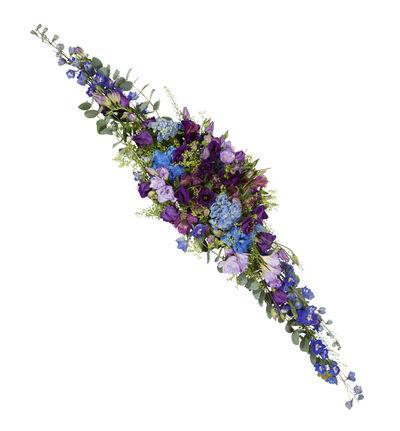 Avlang borddekorasjon i blått og lilla