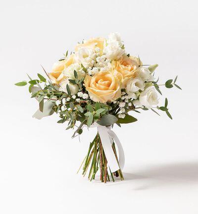 Brudepikebukett med fersken roser