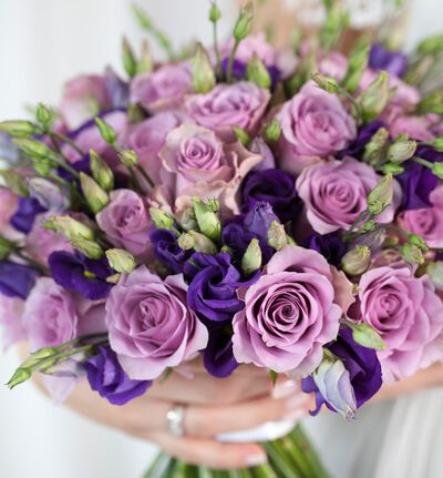 Klassisk brudebukett i lilla