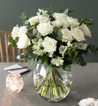 Hvit rosebukett