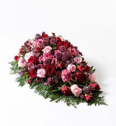 Båredekorasjon i rosa og rødt