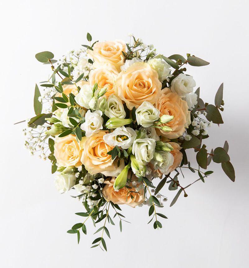 Liten brudebukett med fersken roser bildenummer 2