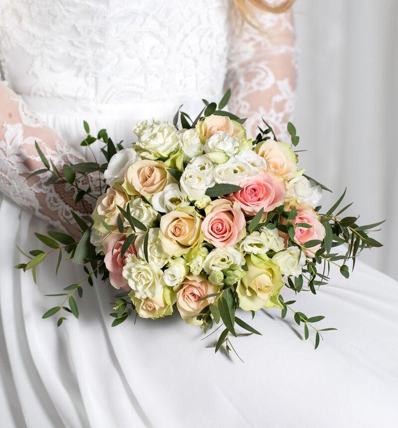 Liten brudebukett med rosa roser bildenummer 2