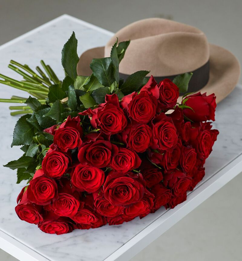 24 langstilkede røde roser bildenummer 3