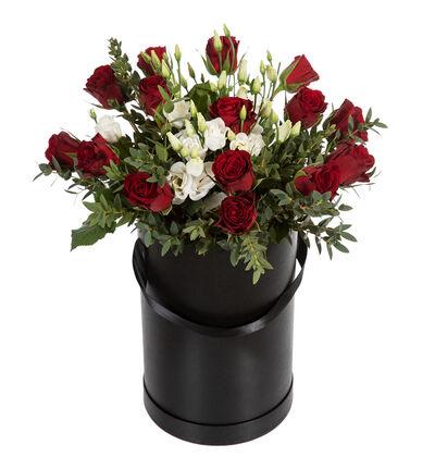 Rød rosebukett i sort gaveeske XL